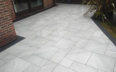 Porcelain patio with edging blocks – An incredible end result!!!!